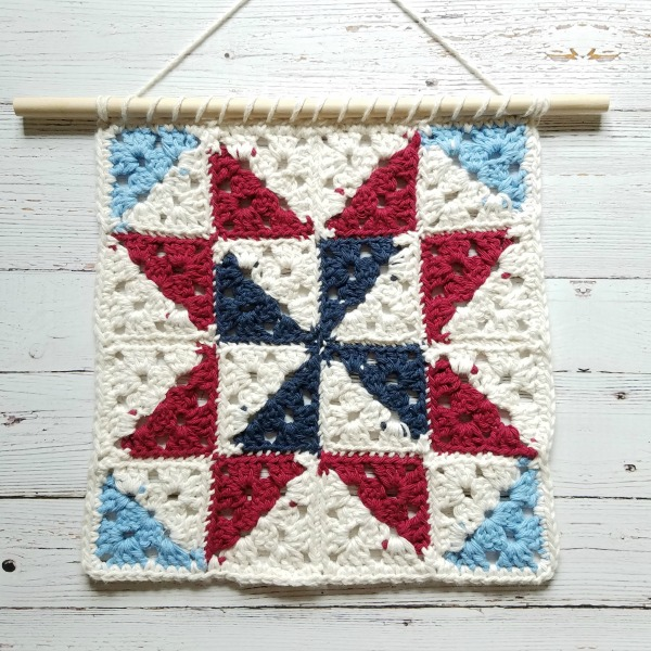 Quilt Square Inspired Crochet Wall Hanging The Unraveled