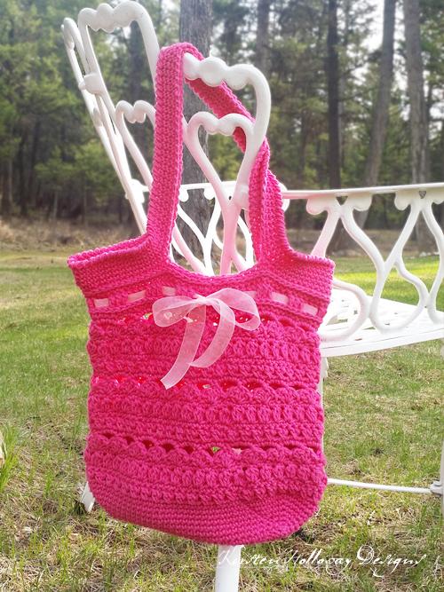 Crochet Mothers Day Gift Ideas: Secret Garden Tote by Kirsten Holloway Designs