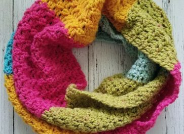 Quick and Easy Textured Caron Cake Scarf   The Unraveled Mitten   Free Crochet Pattern