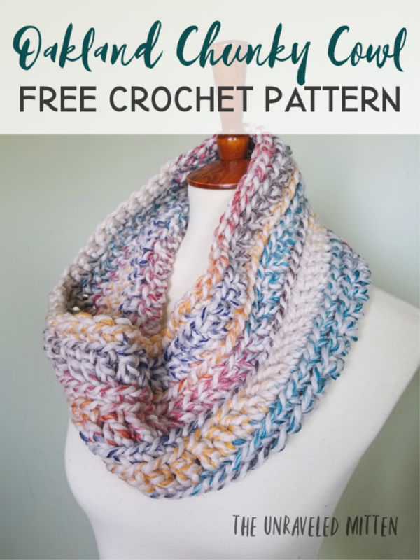 Oakland Chunky Crochet Cowl | Free Crochet Pattern | The Unraveled Mitten