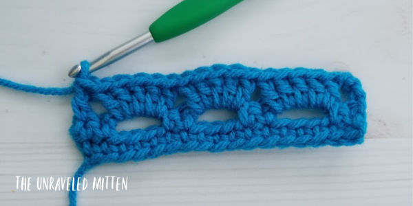 Boxed Block Crochet Stitch tutorial step 5 The Unraveled Mitten