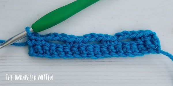 Boxed Block Crochet Stitch tutorial step 3 The Unraveled Mitten