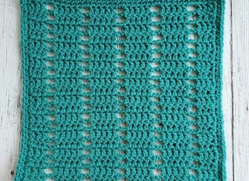 Vertical Filet Square Free Crochet Pattern   2019 Stash Busting Sampler Afghan Crochet Along Block #19   Learn this easy filet crochet stitch pattern to day and use on your next project. This is a great crochet stitch for beginners!
