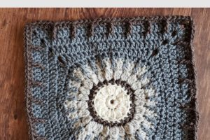 Lavender Fields Crochet Square Pattern by The Loopy Lamb | 2021 Stash Busting Crochet Along on The Unraveled Mitten